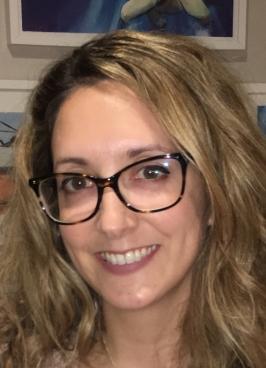 Caroline Macari headshot